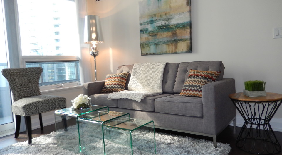 2 sisters homestyling toronto markham richmond hill modern two bedroom condo. Black Bedroom Furniture Sets. Home Design Ideas